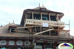 Oprava střechy na Libušíně