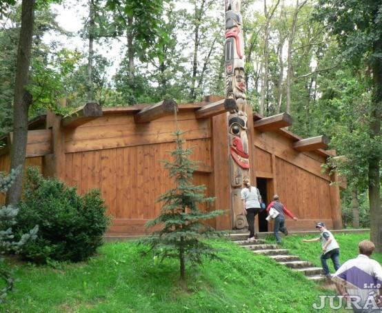 Indiánská-chýše-v-ZOO-Brno