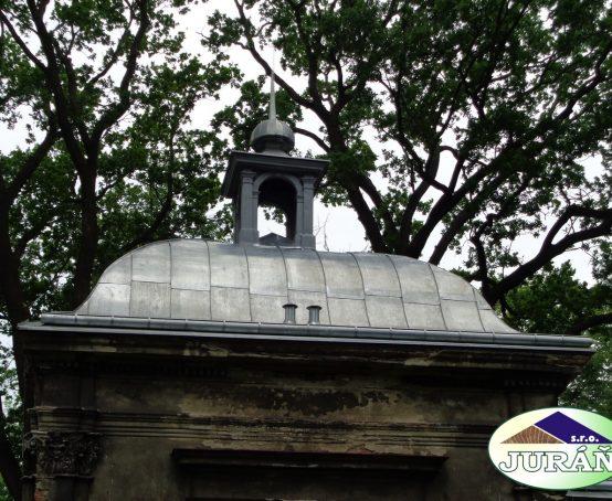 Hrobka-rodu-Baillou-Hustopeče-n.-Bečvou